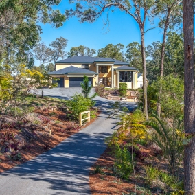 Greenbank | 31 Bluebird Court $950,000