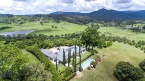 Mount Samson | 200 Andrew Road $1.38m